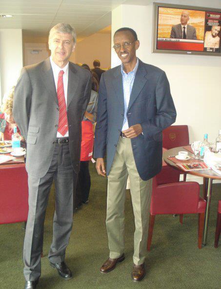 Le président rwandais veut le départ de Wenger 390342_154693411302433_100002853261715_188333_1464482224_n3