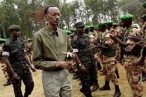 UKO IGISIRIKARE CY'U RWANDA KIMEZE kagame-et-officiers