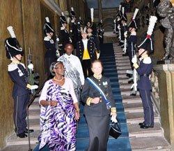 Maneko w'u Rwanda mu gihugu cya Suède yahawe amasaha 48! Amb-Venetia-Sebudandi