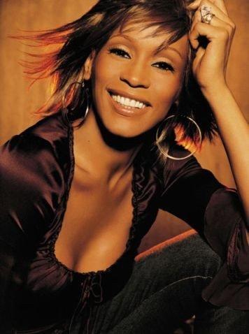 Whitney Houston yitabye Imana arohamye mu bwogero (baignoire) whitney-houston-20080412-398821