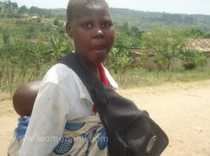 Rwanda: bwaki noneho yatangiye kwibasira ababyeyi Umutesi-Pacifique-wibasiwe-na-Bwaki-300x224