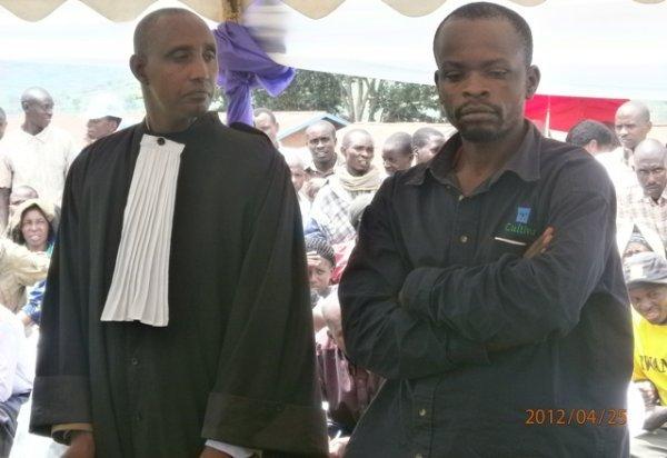 Urubanza rwa John Munyakayanza rurimo urujijo Munyakanyaza_John_n_umwingazi_we_Me_Rusuruka_Adrien-d2b0f