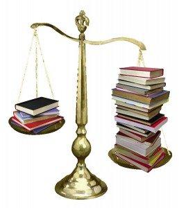 Urubanza rwa Madame Ingabire rwakomeje adahari books-on-scale-2-258x300