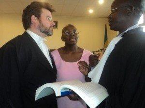 Abunganira Ingabire barasaba ko atakurikiranwa ku cyaha cy'iterabwoba toegestaanvic-300x224