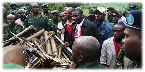 Toni zirenga 25 z'intwaro n'amasasu zakuwe mu isambu ya Gen Ntaganda 25_tonnes_armes_recuperees_bosco_ntaganda_cavale4