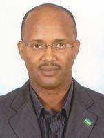 Bwana Ernest Bugingo arasabwa kureka kwaka ruswa! 552079_241139085994299_100002946299199_451329_214140080_n