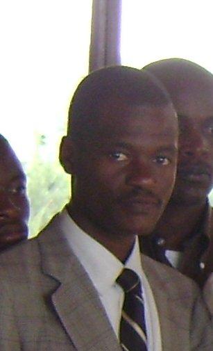 Eric Nshimyumuremyi amerewe nabi kubera kwangirwa kwivuza Some-Imberakuri-during-the-high-national-council