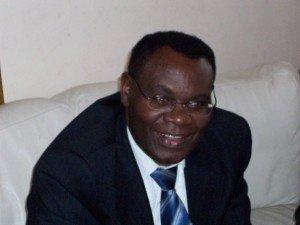 Dr Rudasingwa arasanga ngo abantu bagomba kwitondera Initiative ya Bwana Sylvestre Uwibajije 8123_131313570875_4115981_n-300x225