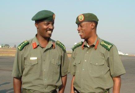 Rwanda-Congo: Gen Kabarebe na Lt. Gen. Kayonga bagiye muri Congo mu biganiro Lt-Gen-Kayonga-na-Gen-Kabarebe-berekeje-i-Goma